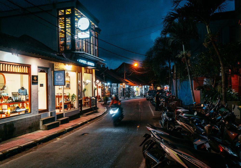 Streets of Ubud by night